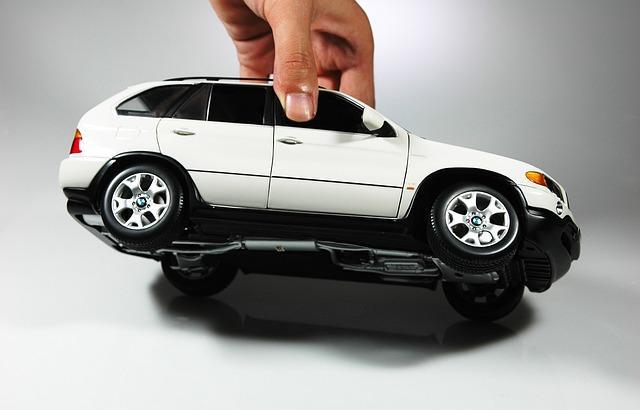 Qué factores influyen en el precio del seguro de coche