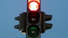 multa por saltarse el semaforo en rojo